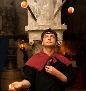 troubadour de Provins dans la taverne médiévale au coeur de provins